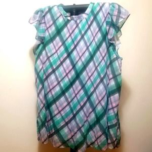 ☆☆☆ Plaid pleated blouse ruffles over the shoulders